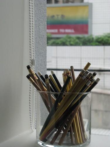 窗台的鉛熢 width=