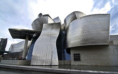 Muse Guggenheim (tany_kely) Tags: art museum architecture digital canon eos rebel spider spain muse bilbao guggenheim espagne euskalherria bilbo basquecountry araigne xsi paysbasque 450d