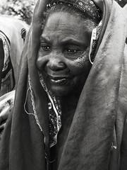 #0247 (davfoto*) Tags: africa travel portrait bw woman byn mujer retrato photojournalism mali theface socialphotography davfoto ramalleira socialphoto