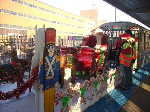 CTA Holiday Train Chicago EL Loop Santa Claus