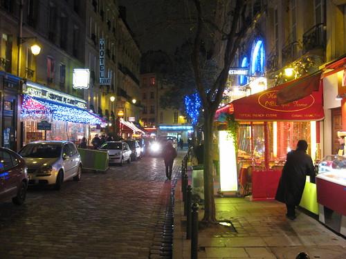 La rue de la Harpe pleine de couleurs