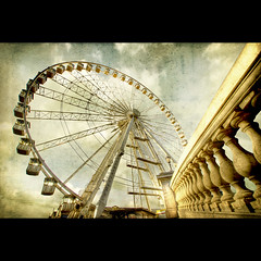 Antwerp - Antwerpen Ferris Wheel (Dimitri Depaepe) Tags: bridge winter texture lamp wheel bravo ferris structure antwerp hdr antwerpen amberes firstquality alarecherchedutempsperdu abigfave memoriesbook xxxxxxxxxxxxxxxxxxxxxxxxxxxxxx ciaocattivoragazzo