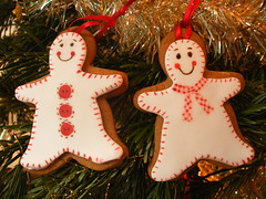 Gingerbread men (neviepiecakes) Tags: cookies painted gingerbread biscuits gingerbreadman fondant christmastreedecorations christmas2008