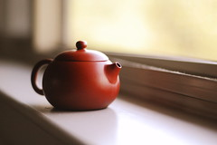 A Tea Joy (Inside_man) Tags: stilllife macro window colors bravo colorful tea drink bokeh teapot lightandshadow sooc clayteapot ateajoy
