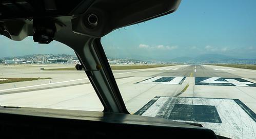 Nice - Cote d'Azur runway 04R