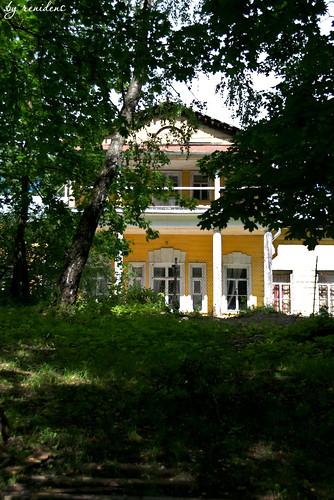 wooden country estate in Fryanovo