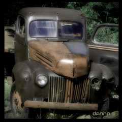 OLD AND FORGOTTON TRUCK