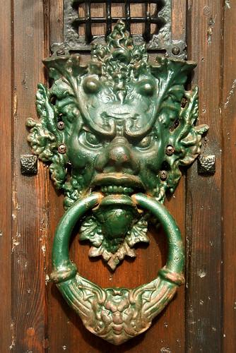 Needful things - door knocker info