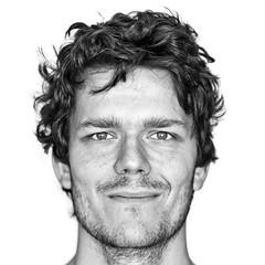 Illuminated (Marcin Kowalski) Tags: portrait bw selfportrait nikon foto bodylanguage fotografia d80 tamron1750 thewhitewall