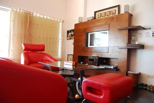 沙發與電視