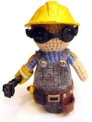 amigurumi boneco engenheiro