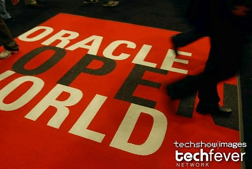 Attendees at  OracleOpenWorld 2008 by TechShowNetwork.