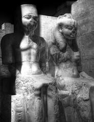 An antique land (El Civ) Tags: blackandwhite mono egypt luxor hdr tutankhamun sigma1770mm 450d ankhesenamun