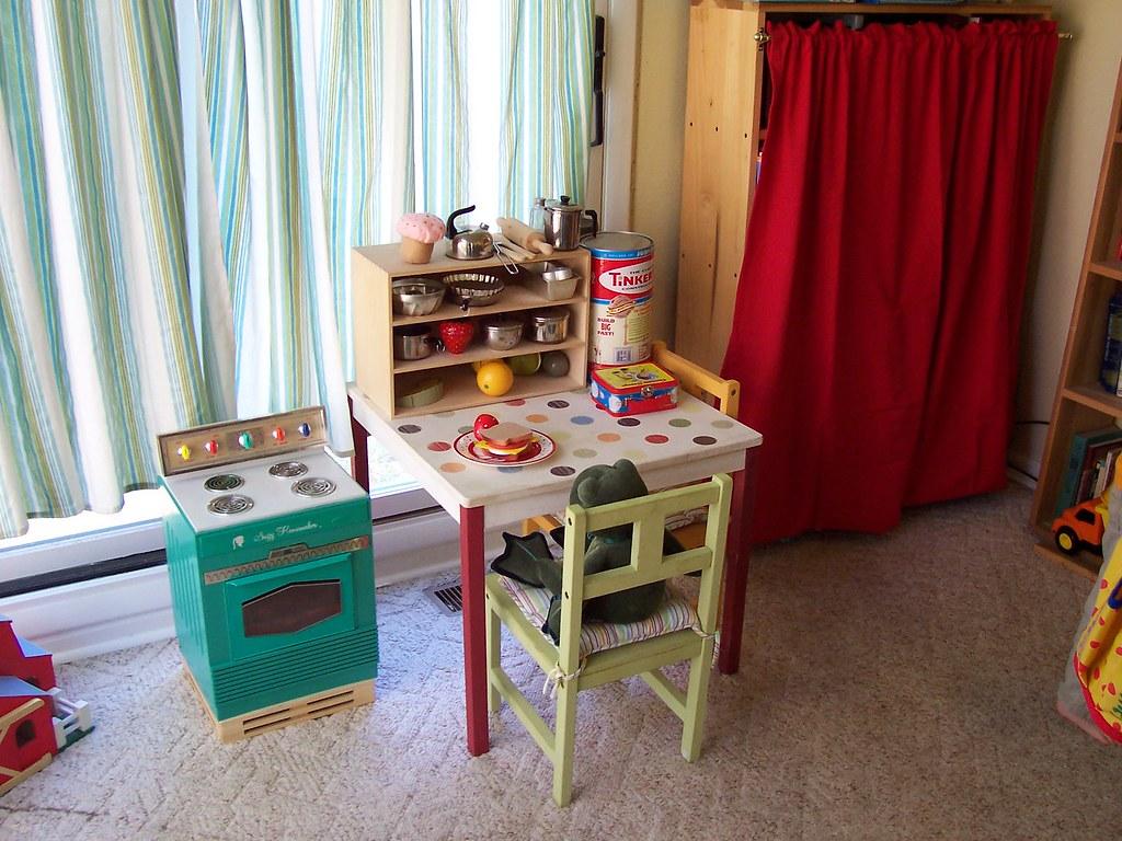 play kitchen 040