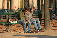 Place des Vosges - Paris (France) (Meteorry) Tags: park autumn paris france boys automne garden bench square europe place lads sneakers trainers smoking jeans baskets puma 2008 marais parc gars vosges placedesvosges fumer truant schoolboys mecs meteorry truancy skets parispeople