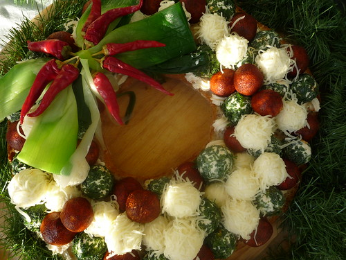 Christmas wreath with cheese truffles