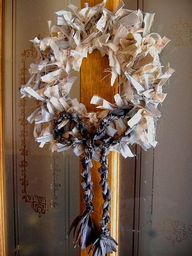 finished wreath on door
