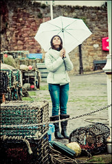 Is raining? (manlio_k) Tags: umbrella vintage scotland dof bokeh harbour pioggia manlio crail castagna manliocastagna manliok simoma thisismetaggingyou