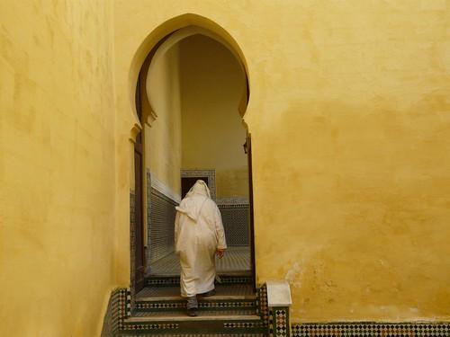 De camino a la oración (Meknès, Marruecos) por ti.