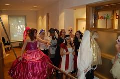 In het museum (Princessehof) Tags: en fashion museum dress weddingdress mode leeuwarden scherven jurk modeshow trouwjurk geluk princessehof keramiekmuseum
