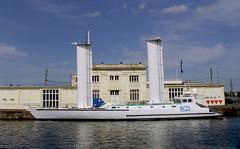 SNB19754- Alcyone -  bateau d'expédition de L'Equipe Cousteau Caen (Rolye) Tags: france samsung normandie bateau caen équipe alcyone expédition cousteau nv7 flickraward nv7ops rolye turbovoile