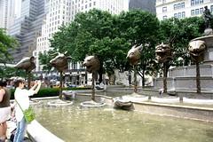 艾未未的十二兽首在纽约 Aiww NYC