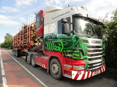 PX11 BTU/Eddie Stobart Timber-H8237*Laura Jane*Scania R500-V8. All rights reserved. (stonetemplepilot5) Tags: wood green truck wagon crane lorry camion v8 dumfries laurajane eddiestobart logtrailer scaniar500 jdengineering h8237 px11btu