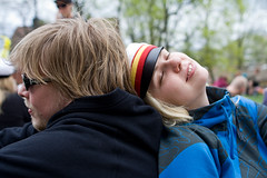 Pique Nique (ZeiR) Tags: park city people bench outdoors turku piknik hoodies vappu tvo 1stofmay