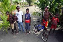 Beneraf kids (Mangiwau) Tags: boy boys kids children indonesia masi kampung papua kampong anus irja wakde keder sarmi papouasie yamna kumamba beneraf betaf