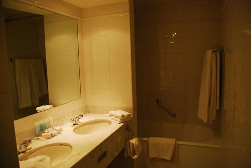流しも二つ!!注:風呂とトイレはさすがに一つずつでした