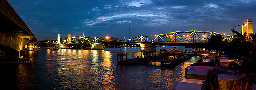 Bangkok's Saphan Phut, Memorial Bridge, at night