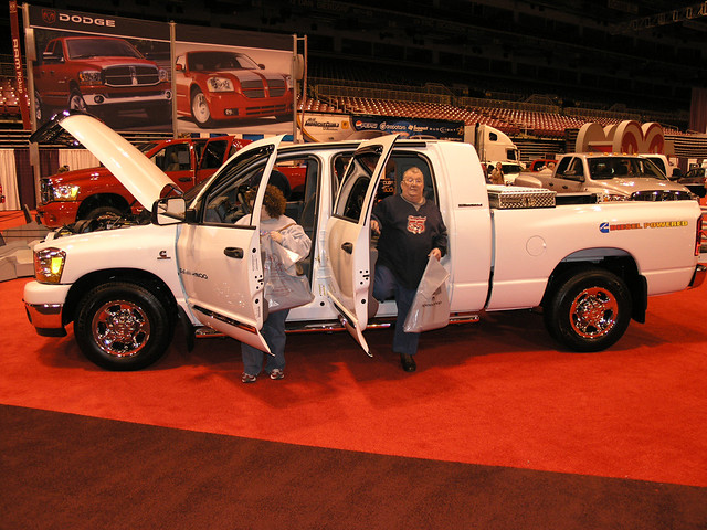 white cab pickup autoshow quad chrome crew dodge saintlouis ram 4door 2006saintlouisautoshow