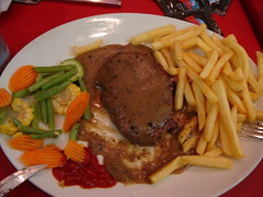 Phily Steak (SaudiSoul) Tags: french potato fries steak hollywood planet