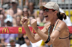 2008 AVP Crocs Slam McDonalds Chicago Open presented by Nautica / Elaine Youngs (Conrad Castelo) Tags: chicago game beach sports girl female slam nikon open mcdonalds tournament ii castelo match elaine volleyball conrad teleconverter vr avp afs nautica crocs youngs 70200mm d300 ifed elaineyoungs tc14e f28g zoomnikkor afsvrzoomnikkor70200mmf28gifed afsteleconvertertc14eii 2008avpcrocsslammcdonaldschicagoopen avpcrocsslammcdonaldschicagoopenpresentedbynautica conradcastelo