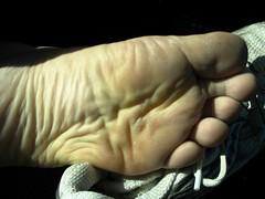Running Feet (floridafeet) Tags: feet toes bare barefoot sole runner
