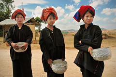 Pa-O women - Shan State - Myanmar (PascalBo) Tags: portrait people woman hat outdoors nikon asia southeastasia d70 burma femme chapeau myanmar asie pao shanstate birmanie 123faves ethnie ethnicgroup asiedusudest pascalboegli lpstanding