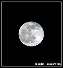 (juushici) Tags: nikon kitlens fullmoon nightscene d80 18135mm nikond80