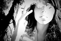 Smoking (3) (Visions of Rock!) Tags: park parque españa parco baby sexy fashion modela spain model eyes hand girona modelo sensual smoking occhi ojos mano catalunya lovely miriam spagna gerona arabi baños catalogna fumando bagni árabes sensuale
