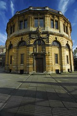 UK - Oxford - Sheldonian Theatre (Darrell Godliman) Tags: uk greatbritain travel england copyright building travelling tourism architecture buildings arquitectura nikon europe britishisles unitedkingdom britain graduation eu oxford gb architektur thesouth christopherwren d200 oxforduniversity architettura oxfordshire allrightsreserved architectuur broadstreet sheldonian mimari oxon broadst sheldoniantheatre architecturalphotography universityofoxford travelphotography   nikond200 gilbertsheldon instantfave larchitecture omot  travelphotographer flickrelite dgphotos darrellgodliman wwwdgphotoscouk architecturalphotographer dgodliman