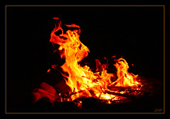 The Dancing Devil (Kuzeytac) Tags: red orange black nature yellow stone night geotagged fire explore geotag leyla sarı lsi ışık kırmızı portakal alev doğa tabiat taş canoneos400d canoneosdigitalrebelxti motifdwinner achallengeforyou kuzeytac thechallengefactory copyrightedallrightsreserved aqualityonlyclub