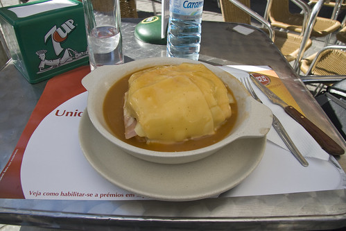Francesinha - Guess the calorie content