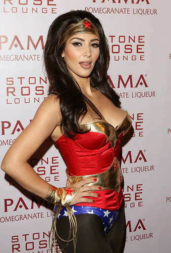 KIM KARDASHIAN WEARING A WONDER WOMAN COSTUME AT HER PARTY - NEW SEXY KIM ...