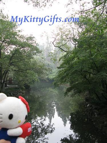Hello Kitty at Pool of Peony Garden, HangZhou