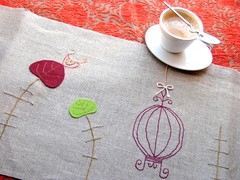um caf  portuguesa (a n a ) Tags: bird coffee linen embroidery birdhouse wip pillow inprogress bordado gaiola linho