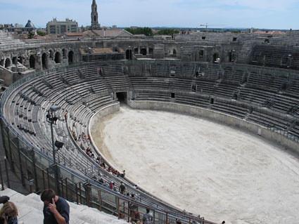 Interior del Anfiteatro Romano, Nimes, Francia