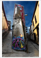 """Goodbye Series""(II): I wish seeing you soon, Art in Valparaiso! (a must read!) (B'Rob) Tags: chile city travel blue streetart color building art tourism true azul architecture photography valparaiso mar photo yahoo google arquitectura nikon flickr paradise via edificio picture tourist colores best explore cielo wikipedia eden valparaso paraiso paraso valpo porteo mejor tradicin viadelmar chilean portea snopes vregion d40 brob explored edn brobphoto"