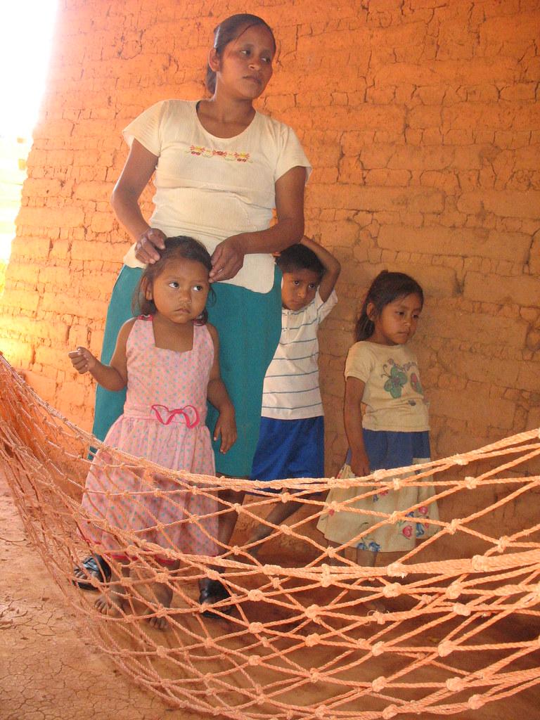 La familia que espera azuldelirio tags m xico ni a adobe ni as ni o mujeres injusticia