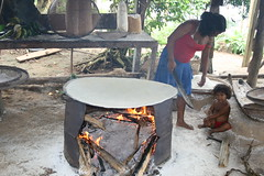 IMG_0152 (Bruenetty) Tags: southamerica rainforest venezuela jungle bakingbread indigenouspeople riocaura indigenouswoman yekuana indigenouschild
