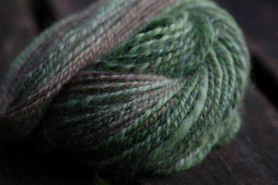 Spindle spun yarn