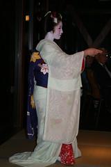 IMG_3025 (avsfan1321) Tags: blue white japan dance kyoto dancing performance makeup maiko geiko geisha tatami kimono obi gion furisode hanamachi apprenticegeisha darari danglingobi